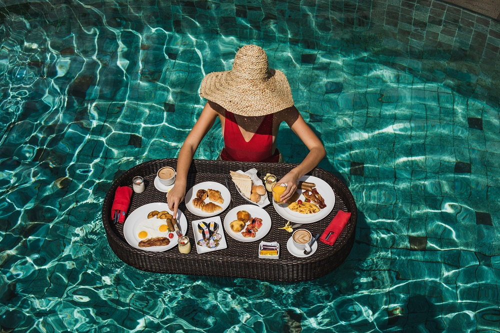 Floating Breakfast on Panorama Pool